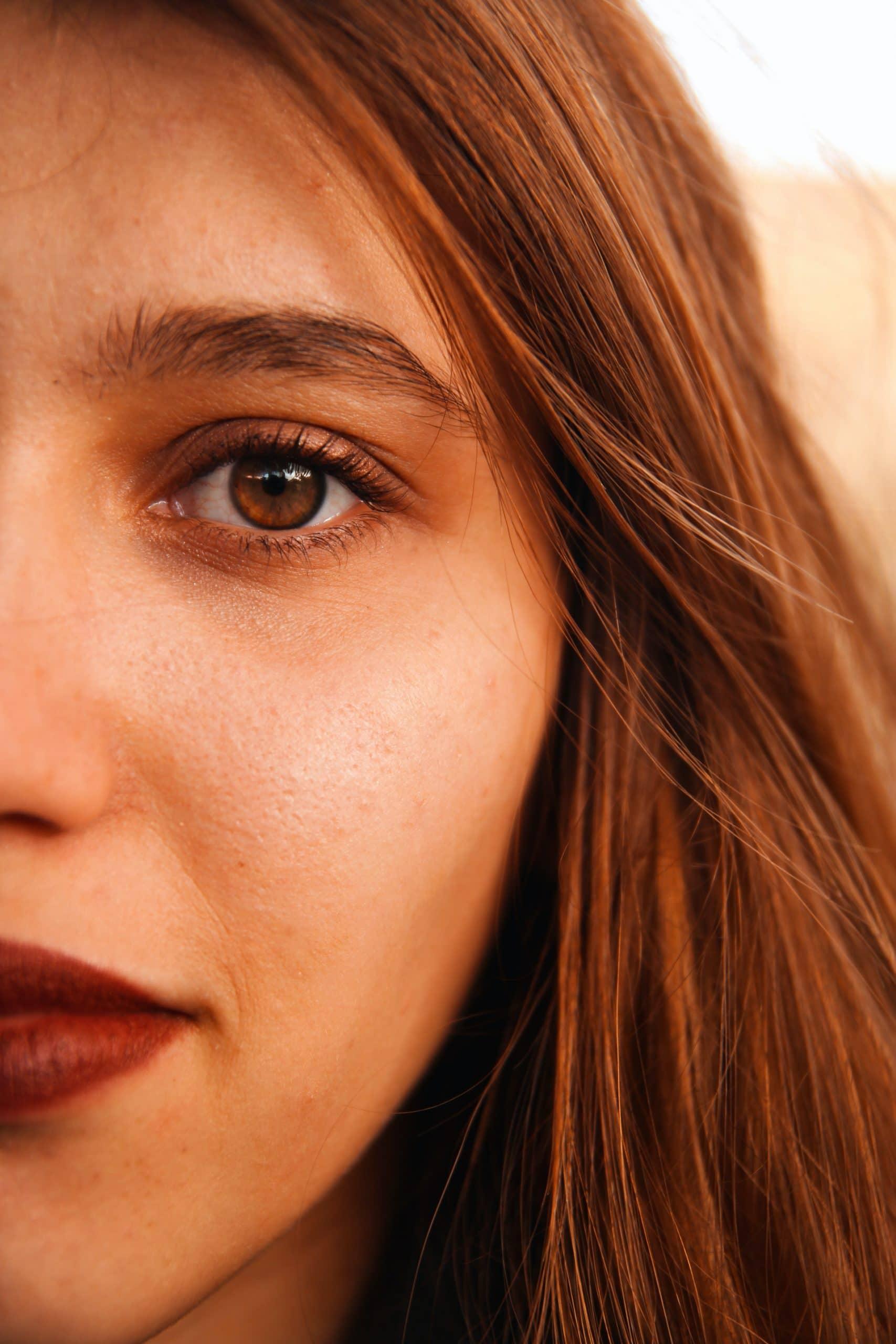 ragazza con pelle perfetta